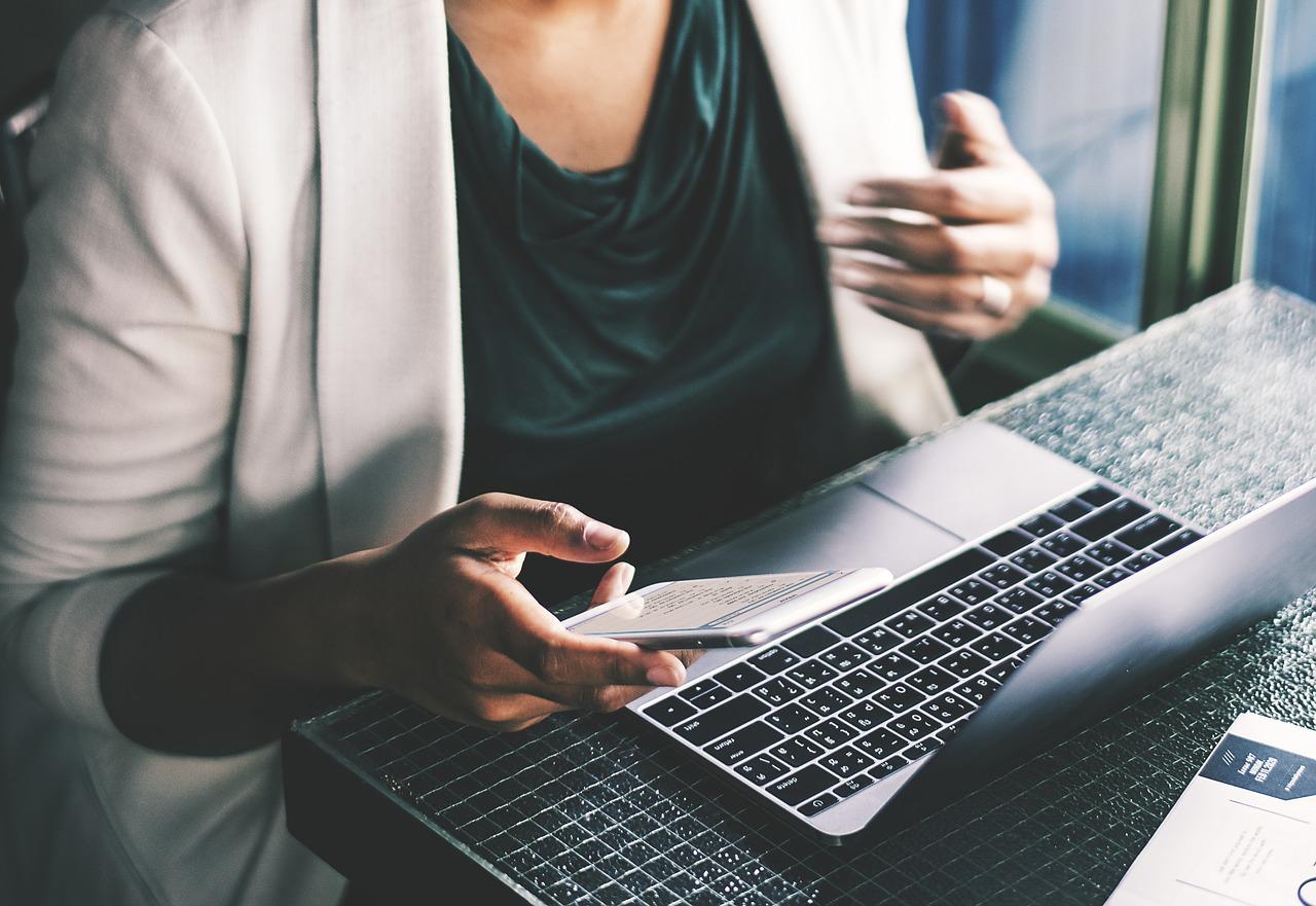 Laptop, jak większość tych, które możemy dostać od wielkich firm takich jak Dell, występuje w wielu wariantach