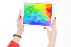 Marka Apple jest jedną z najbardziej rozpoznawalnych i cenionych za sprawność działania swoich urządzeń firmą na świecie