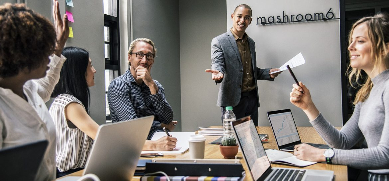 Na obecnym rynku pracy pojawiła się zasobna nisza, w skład której wchodzą osoby dużo pracujące z grafiką 3D czy też projektowaniem obiektów