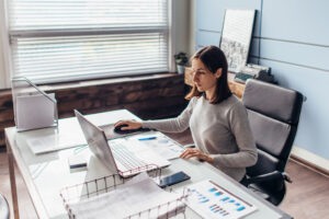 Dell Latitude 7500 to doskonały laptop dla osób uczących się i pracujących